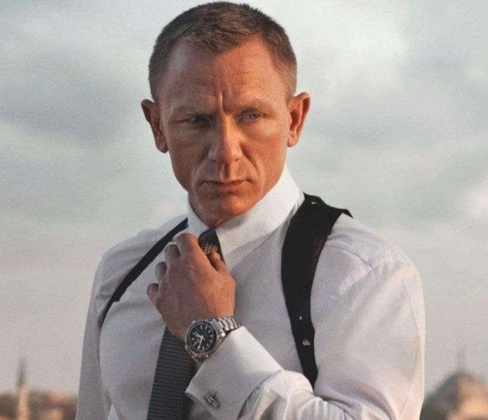 James Bond's plans after his guns are stolen DKODING