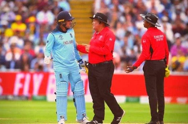 Jason-Roy-Fined-Fight-Umpires-EnglandvsAustralia-Eng-vs-Aus-Cricket-Sports-DKODING