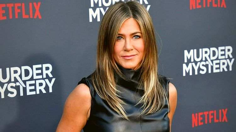 Jennifer-Aniston-Netflix-Murder-Mystery-Tv-And-Web-Entertainment-DKODING