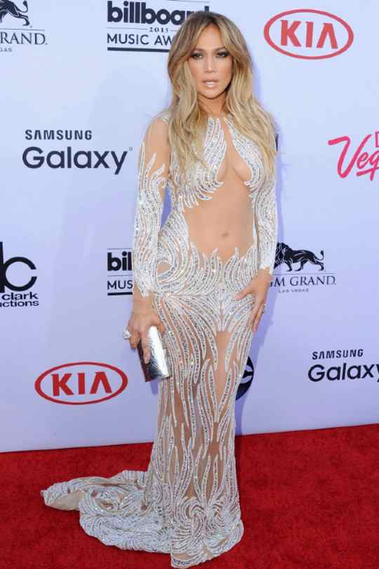 Jennifer-Lopez-Red-Carpet-Looks-Sexy-Dress-Hollywood-Entertainment-DKODING
