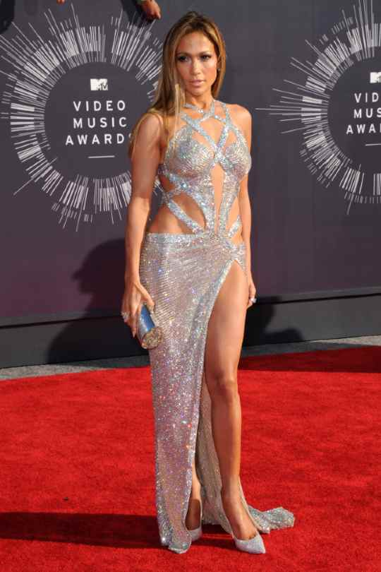 Jennifer-Lopez-Red-Carpet-Looks-Sexy-Silver-Dress-Hollywood-Entertainment-DKODING