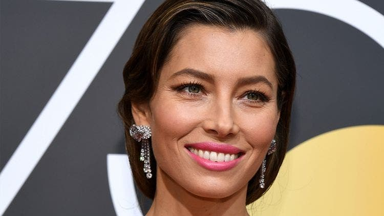 Jessica-Beil-Skin-Routine-Fashion-And-Beauty-Lifestyle-DKODING