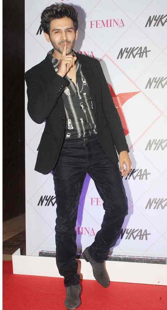 Kartik Aaryan won the title of Heartthrob of the year