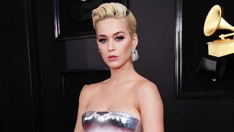 Katy-Perry-Silver-Gown-Trending-Today-DKODING