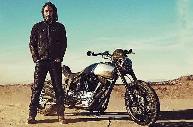 Keanu-Reeves-Motorcycle-God-Hollywood-Entertainment-DKODING