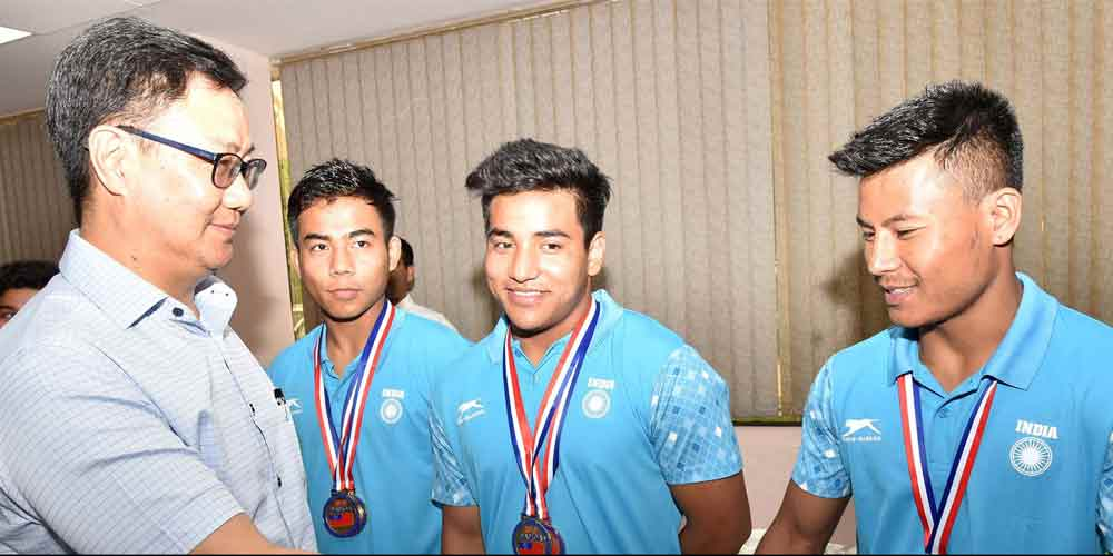 Kiren-Rijiju-Lauds-Commonwealth-Weightlifting-Athletes-Weightlifting-Others-Sports-DKODING