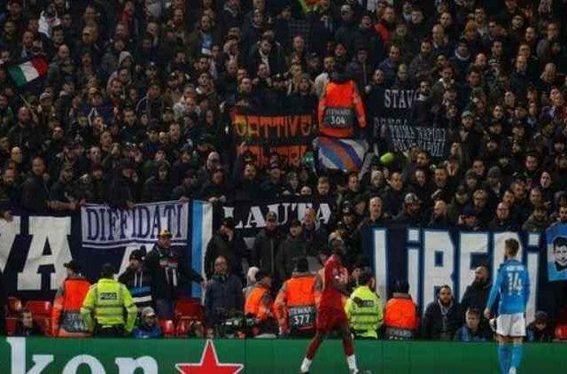 Liverpool Napoli Fans Ruckus Football Sports DKODING