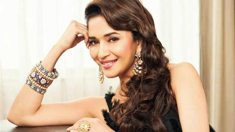 Madhuri-Dixit-Birthday-Entertainment-Bollywood-DKODING