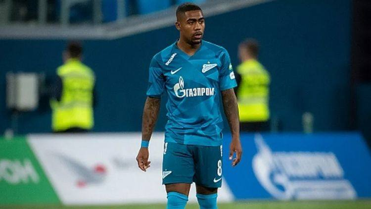 Zenit fans welcome new signing Malcom with racist chants