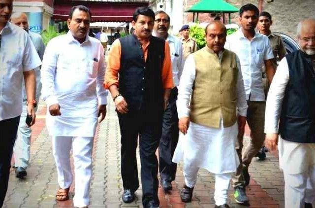 Manoj-Tiwari-Vijender-Gupta-To-Meet-LG-Baijal-India-Politics-DKODING