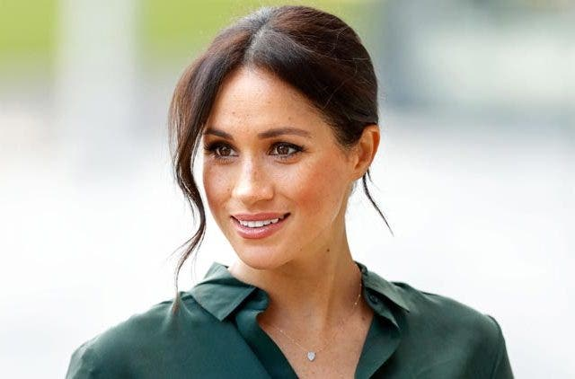 Meghan-Markle-Wishes-Husband-Prince-Harry-Videos-DKODING