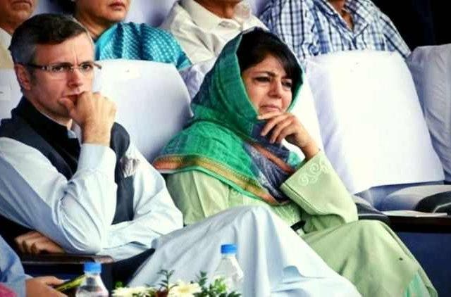 Mehbooba-Mufti-Omar-Abdullah-Placed-Under-Preventive-Arrest-India-Politics-DKODING