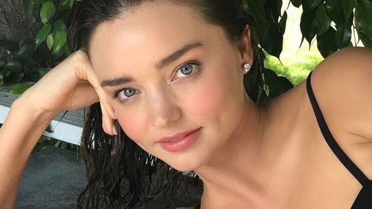 Miranda-Kerr-Face-Steam-Fashion-And-Beauty-Lifestyle-DKODING