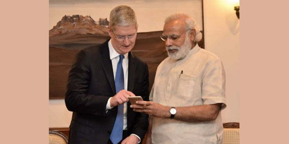 PM-Narendra-With-Tim-Cook-Newsline-DKODING