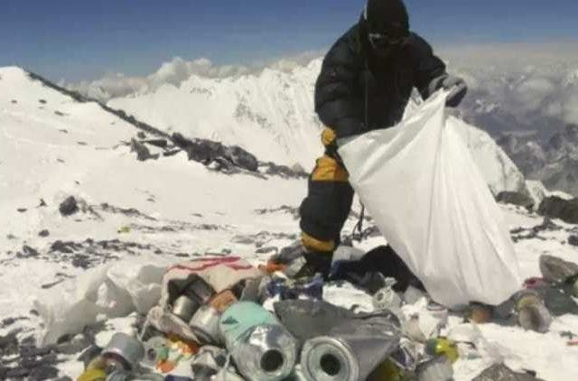 Mount-Everest-Garbage-More-News-DKODING