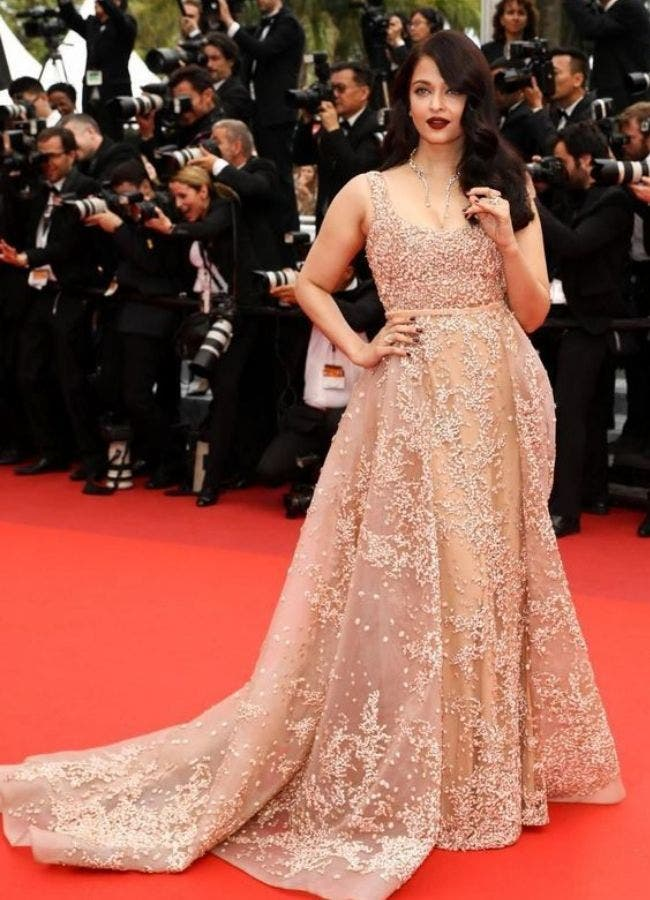 Nude-Color-Dress-Aishwarya-Red-Carpet-Bollywood-Entertainment-DKODING