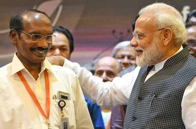 PM-Modi-Motivates-ISRO-Scientists-Videos-DKODING