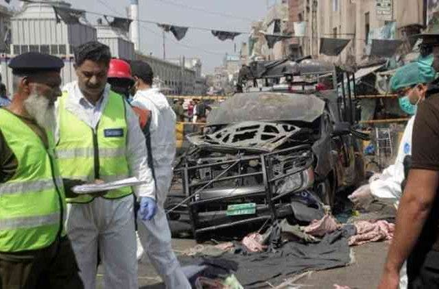 Pakistan-Blast-Near-Sufi-Shrine-In-Lahore-Global-Politcs-DKODING