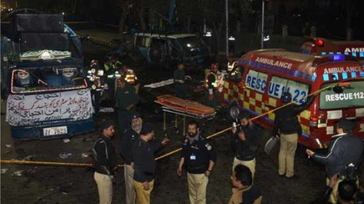 Pakistan-Blast-Near-Sufi-Shrine-Lahore-Global-Politics-DKODING