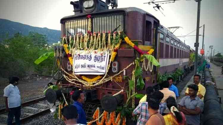 Parched-Chennai-Receives-Water-Train-More-News-DKODING