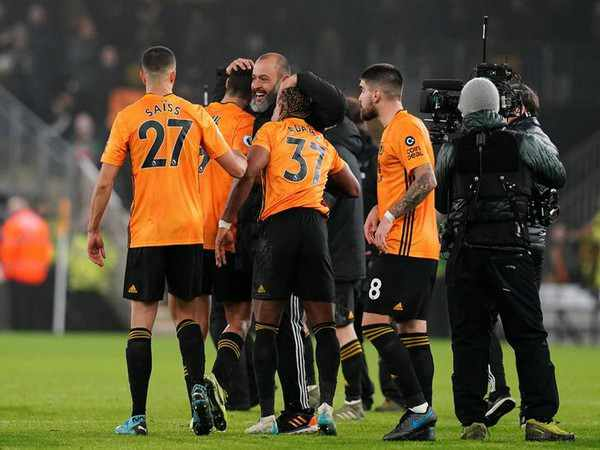 Premier-League-Wolves-Stuns-Manchester-City-Football-Sports-DKODING