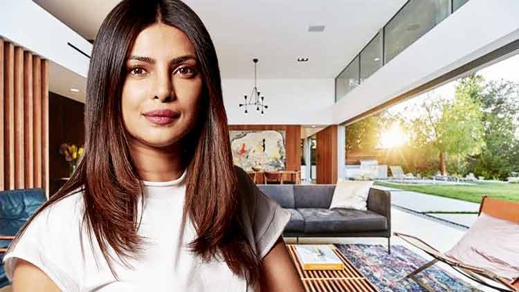 Priyanka-Chopra-Neighbour-Kylie-Jenner-Trending-Today-DKODING