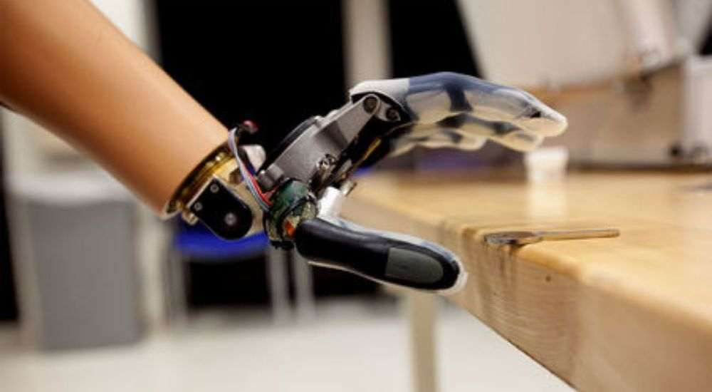 Prosthetic-Arm-By-Scientists-NewsShot-DKODING