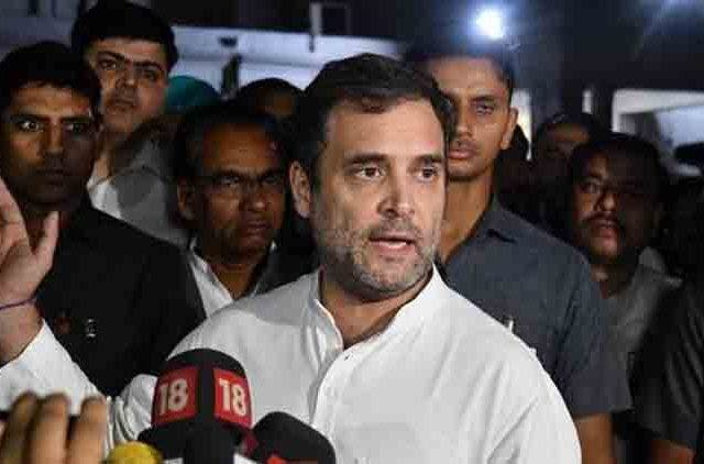 Rahul-Gandhi-Visit-Flood-Effected-Area-In-Kerala-Videos-DKODING