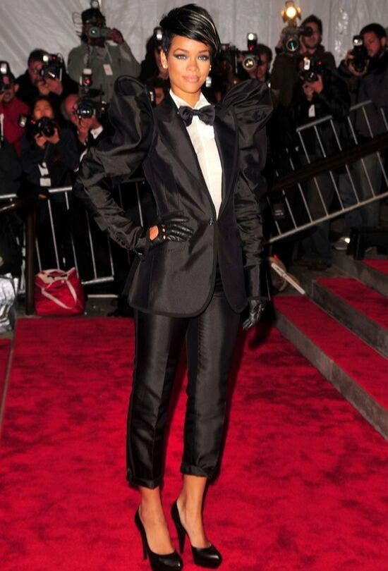Rihanna-In-A-Tuxedo-MET-Fashion-And-Beauty-Lifestyle-DKODING