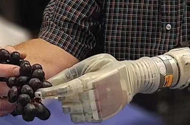 Scientist-Created-Prosthetic-Arm-NewsShot-DKODING