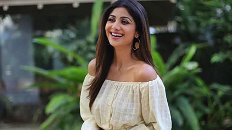Shilpa-Shetty-Comeback-To-Bollywood-Entertainment-Bollywood-DKODING