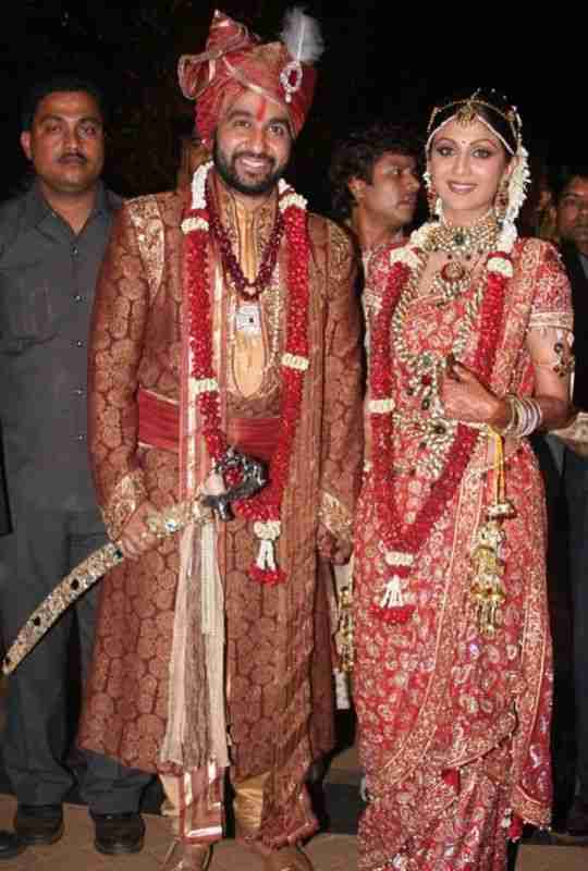 Shilpa-Shetty-Most-Expensive-Wedding-Outfit-Bollywood-Entertainment-DKODING