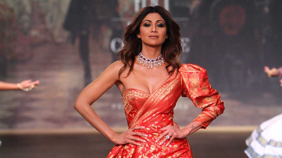 Shilpa-Shetty-Refuses-To-Health-Promoting-Slimming-Pills-For-10-crores-Entertainment-Bollywood-DKODING
