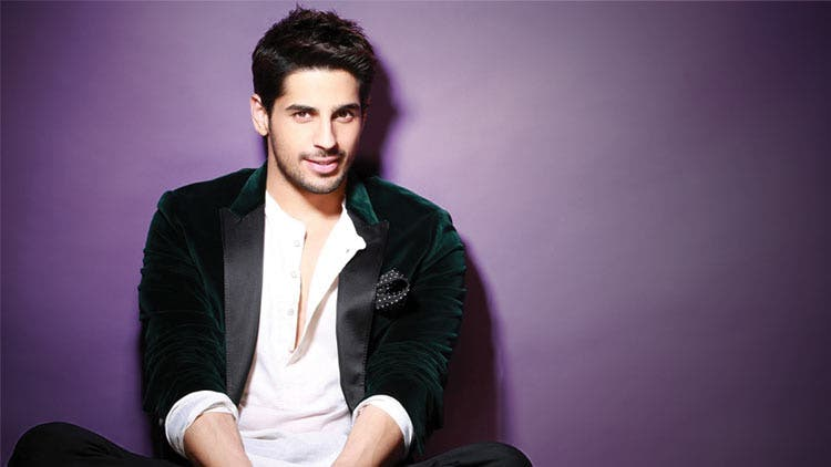 Sidharth Malhotra-Opens up about relationship-Bollywood-Entertainment-DKODING