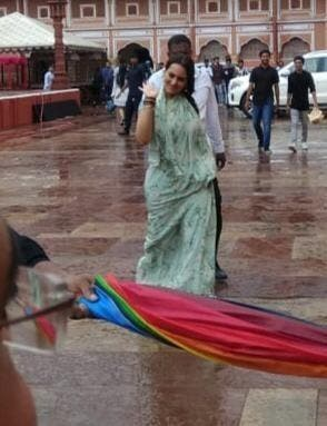 Sonakshi-Sinha-Pictures-From-Dabangg-3-Entertainment-Bollywood-DKODING (1)