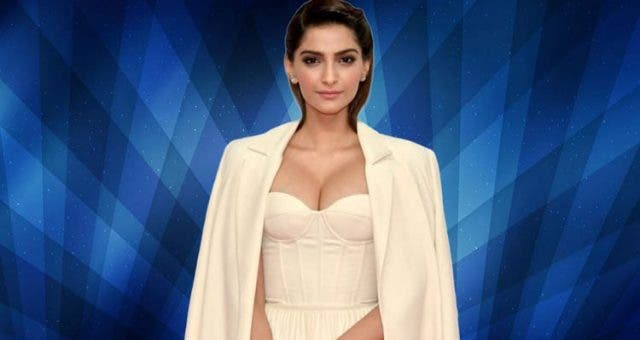 Sonam Kapoor goes 'monochromatic' for ramp show DKODING