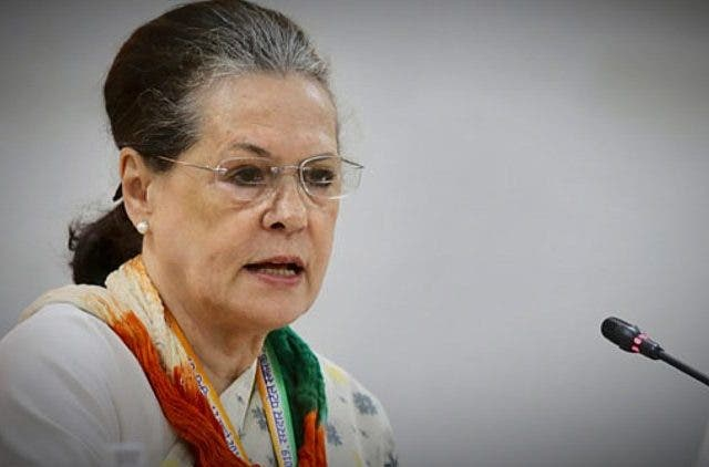 Sonia-Gandhi-Chair-Crucial-Meeting-India-Politics-DKODING