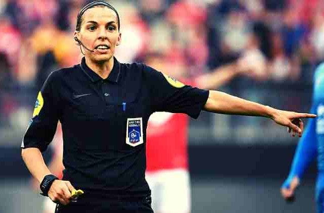Stephani-Frappart-First-Female-Referee-Ligue-1-Football-Sports-DKODING