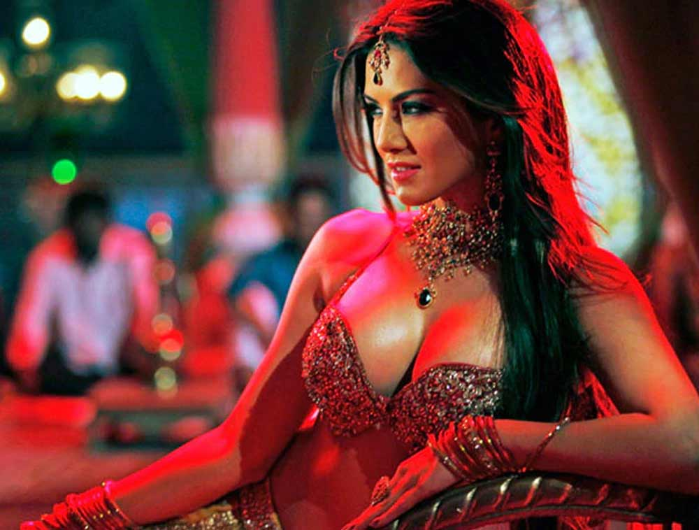 Sunny-Leone-Kamasutra-Ekta-Bollywood-Entertainment-DKODING
