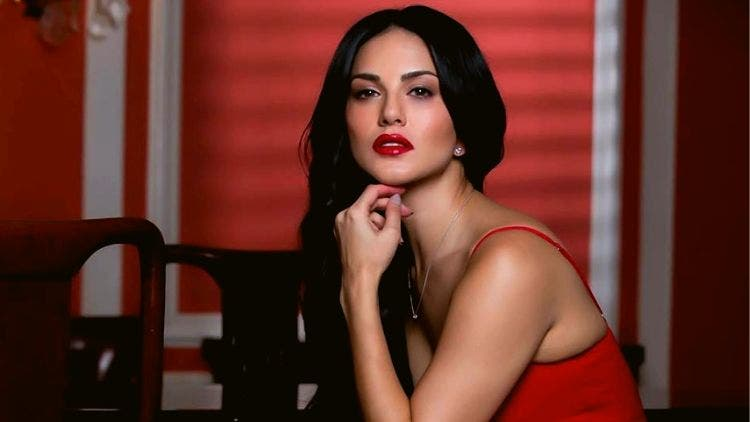 Sunny-Leone-Red-Dress-Magazine-DKODING