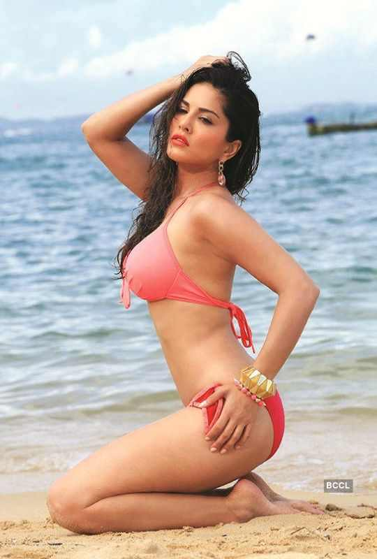 Sunny-Pink-Body-Suit-Bollywood-Entertainment-DKODING