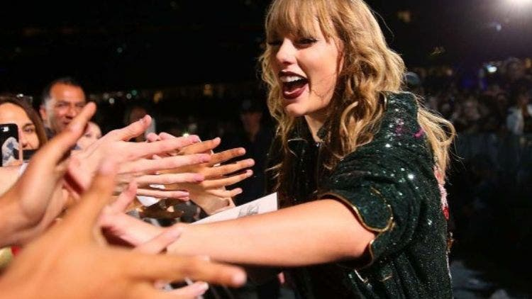 Taylor-Swift's-Influence-Hollywood-Entertainment-DKODING
