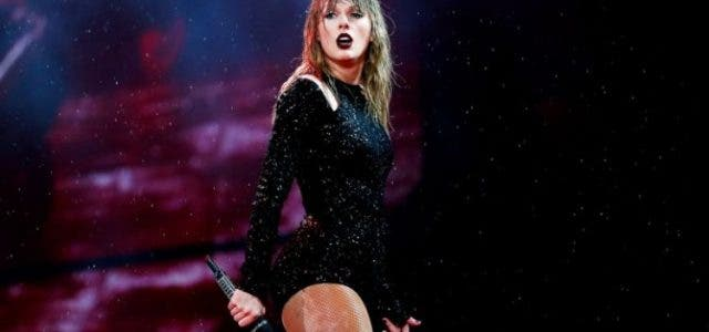 Taylor-Swift's-Unstoppable- Power-Hollywood-Entertainment-DKODING