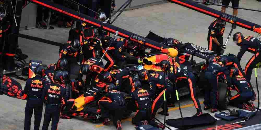 Team-Red-Bull-F1-Race-Others-Sports-DKODING