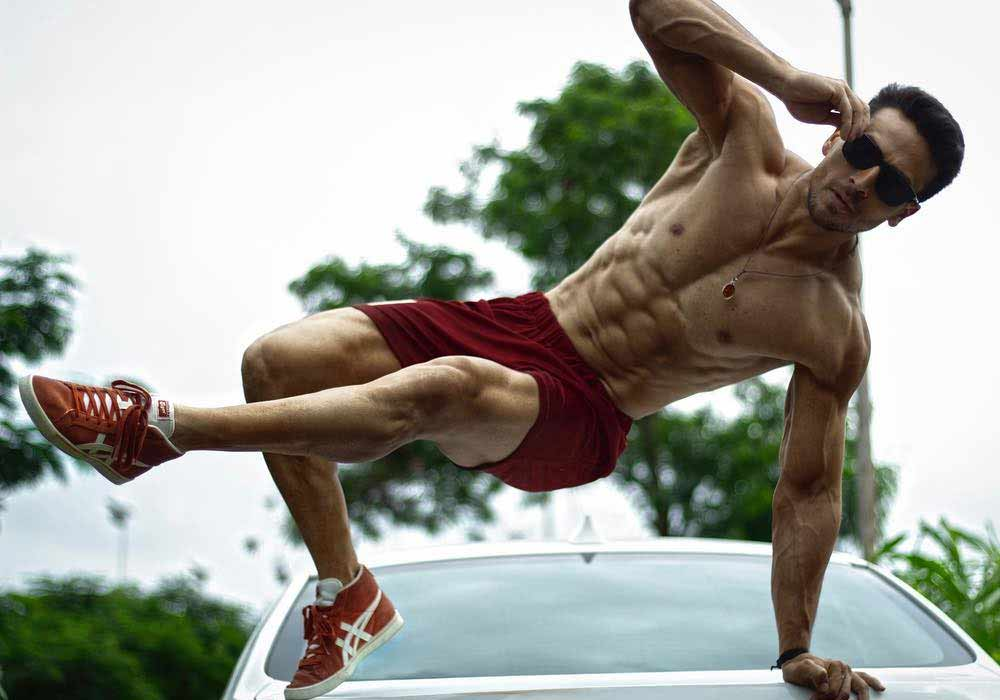 Tiger Shroff: Feed your Fitness and Starve your Mediocrity - DKODING