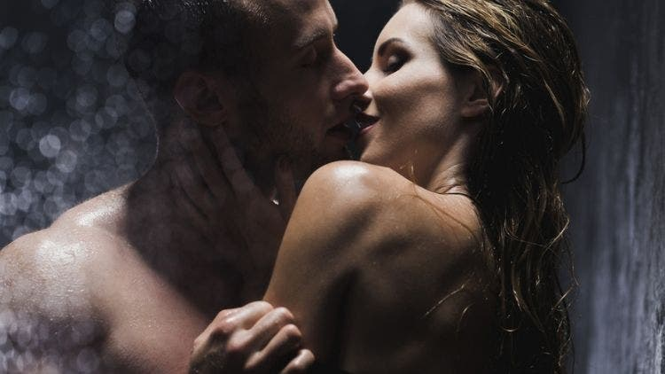 Let Your Lips Do The Talking: Ways To Kiss And Turn Him On!