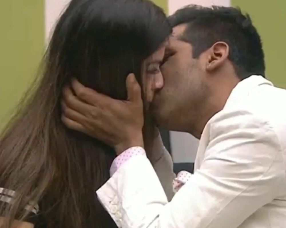 Puneesh and Bandagi shared some steamy moments in front of the camera.