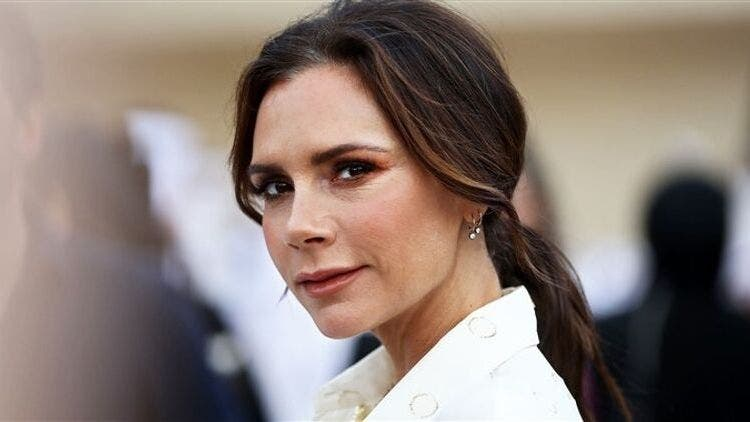 Victoria-Beckham-Bird-Poo-Facial-Fashion-And-Beauty-Lifestyle-DKODING