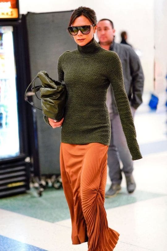 Victoria-Beckham-Orange-Skirt-Olive-Green-Fashion-And-Beauty-Lifestyle-DKODING