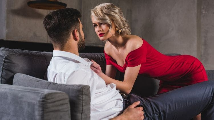 What-Is-Love-Bombimg-Sex-Relationship-Lifestyle-DKODING